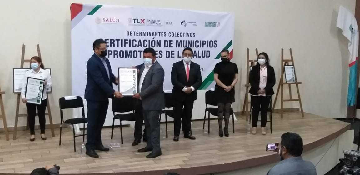 Recibe alcalde de Tepetitla de Lardizábal Certificado como Promotor de la Salud