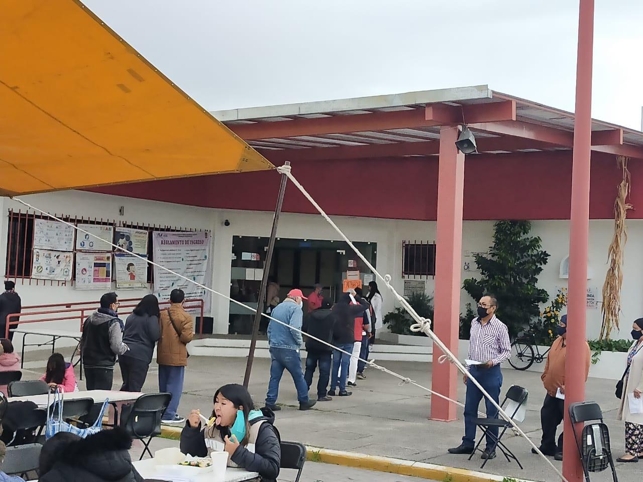 Asume Jiménez organización de vacunación en Chiautempan ante desplante del alcalde en funciones
