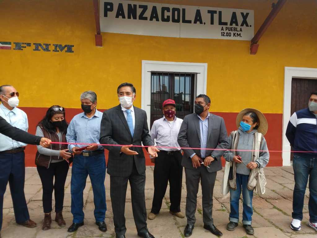 Embellecen parque y estación del tren en Panzacola – Papalotla