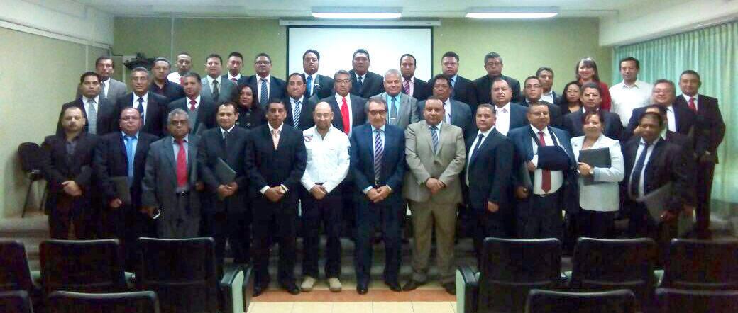 Concluyen 35 policías de la PGJE renivelación académica
