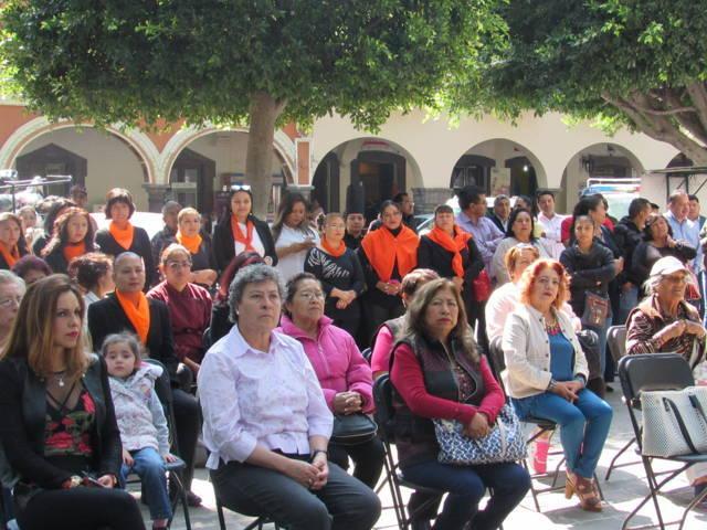Efectúan Expo-Venta Artesanal Mujer Emprendedora en la capital