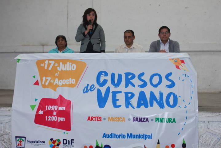 Inicio presidenta honorifica Pilar Pérez Luna Curso de verano 2017 del SMDIF