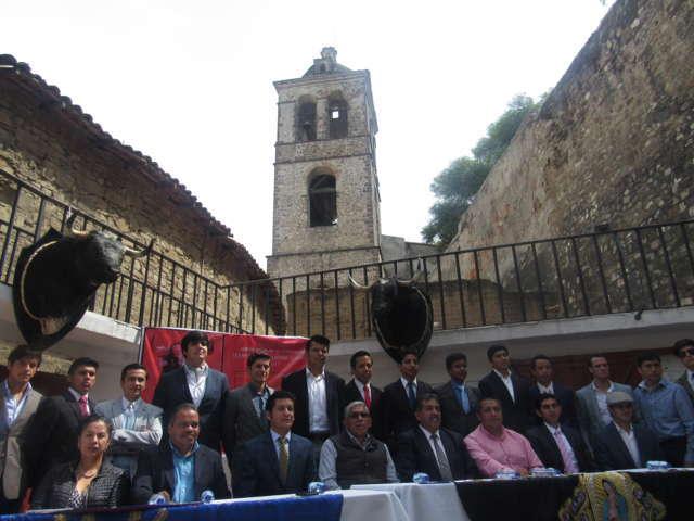 Presentan autoridades Temporada Taurina Tlaxcala 2017