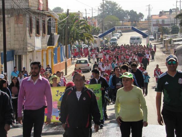 Efectúan Caminata por tu salud y Zumba en tu delegación en El Sabinal