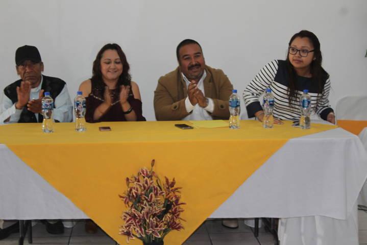 Delegada estatal de INAPAN visita casa del abuelo de Xicohtzinco