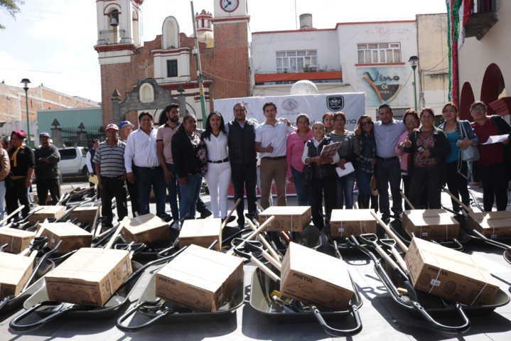 Alcalde fortalece el campo con 16 toneladas de fertilizante y herramientas