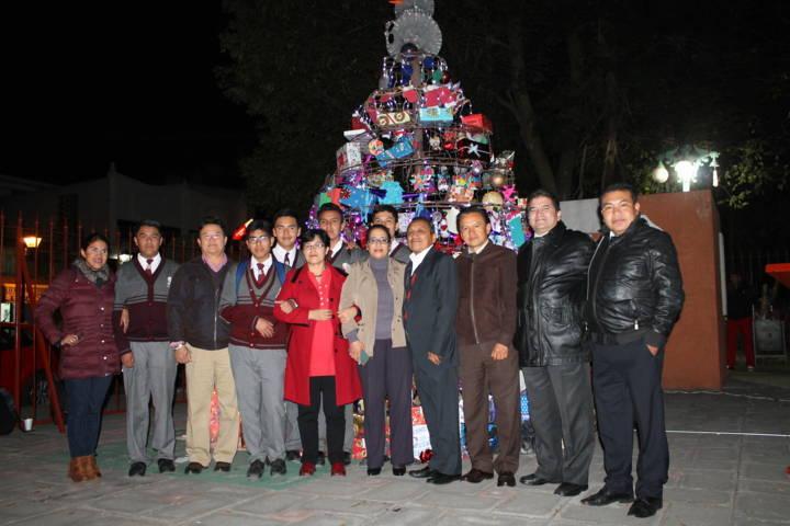 Encienden luces navideñas en el Colegio de Bachilleres Tlaxcala