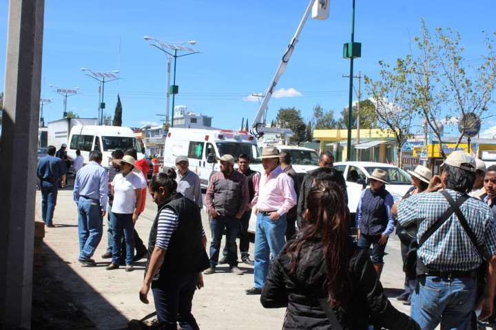 Supervisa Gobernador obra de mejoramiento urbano en Calpulalpan