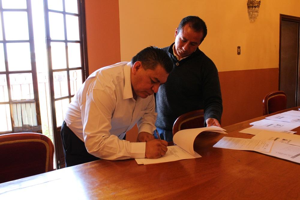 Gestiona Eloy Reyes empleo temporal a sus habitantes
