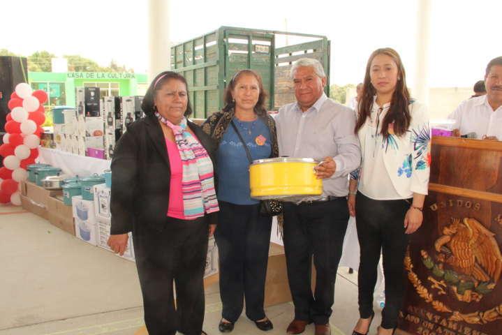 Alcalde resalta y reconoce el trabajo de las madres en el municipio