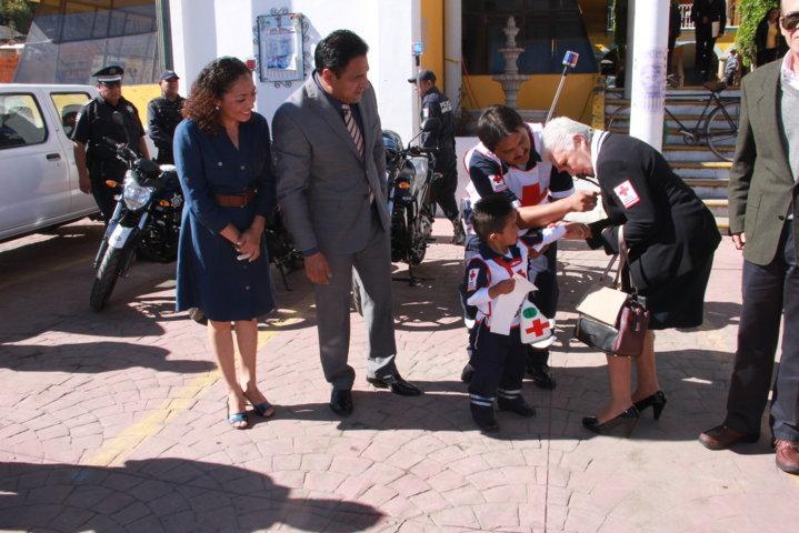 El ayuntamiento de Tepetitla realiza donativo a la cruz roja