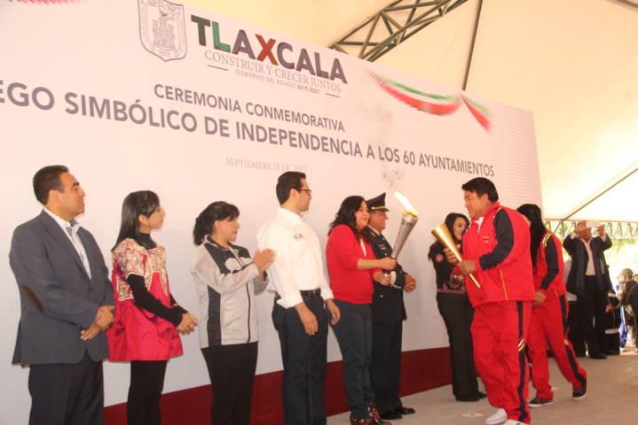 Tlaltelulco recibe Fuego Simbólico de la Independencia de México