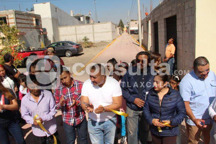 Alcalde entrega obra de mejoramiento urbano a vecinos de la calle Cedros