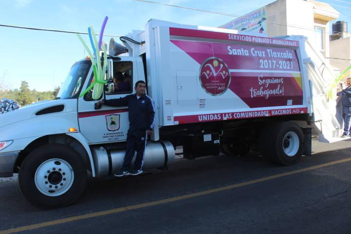 Este camión compactador mejorará el servicio de recolección de basura: alcalde