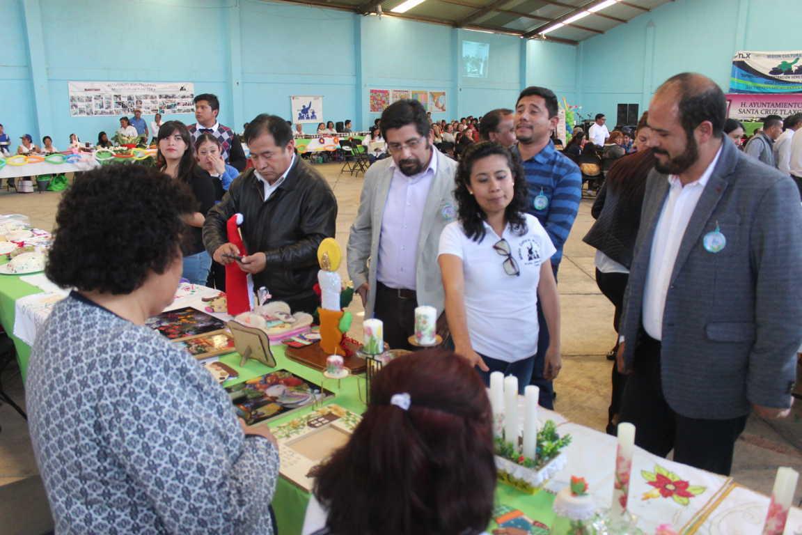 Sanabria Chávez clausura exposición y demostración de Misión Cultural 214-Z