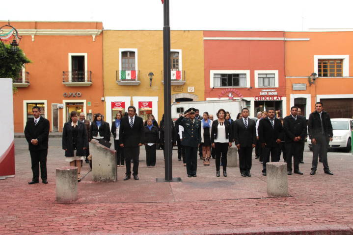 Rosete Sánchez encabezó Arrió del Lábaro Patrio en el zócalo capitalino