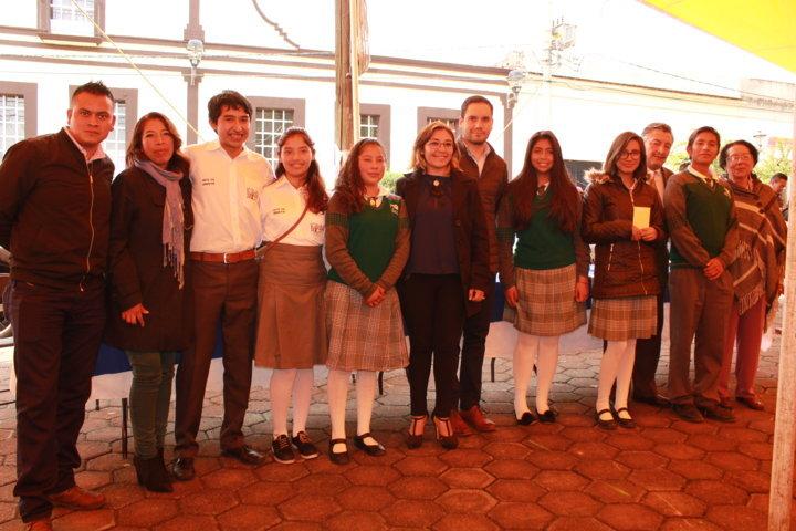 Ayuntamiento premia a jóvenes emprendedores Visualizando un Futuro Grande