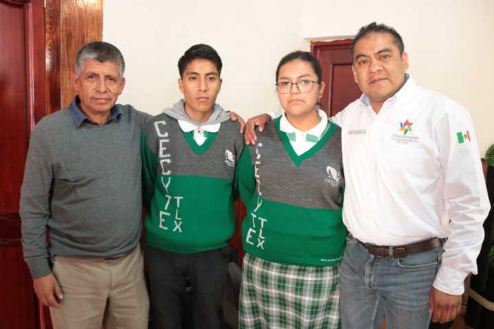 Alcalde impulsa la educación apoyando a estudiantes que viajaran a Monterrey