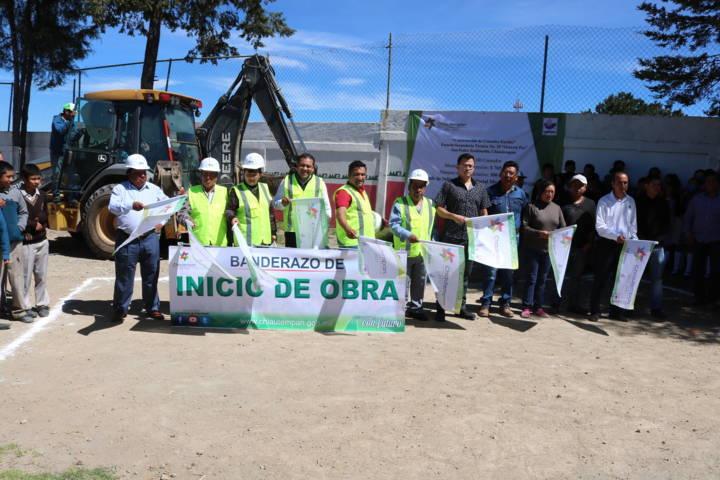 Héctor Domínguez Rugerio da inicio a la construcción de comedor escolar
