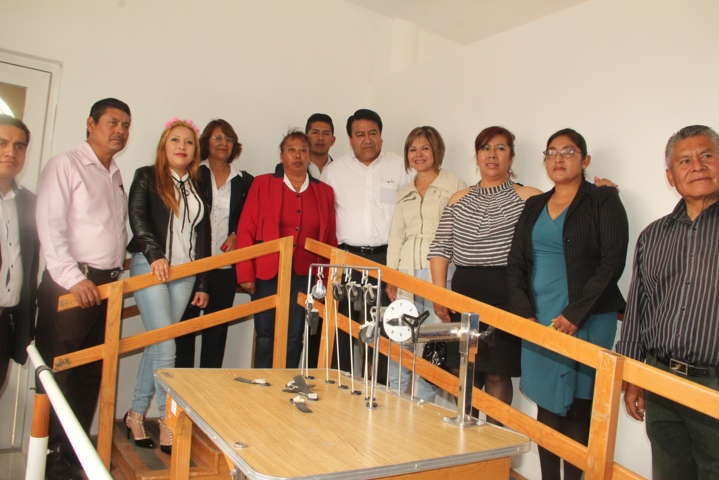 Alcalde de Tlaltelulco entrega la primera obra de beneficio social