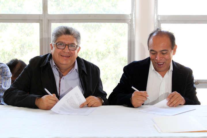 Ayuntamiento de Zacatelco y el SNTE se comprometen a fortalecer la educación
