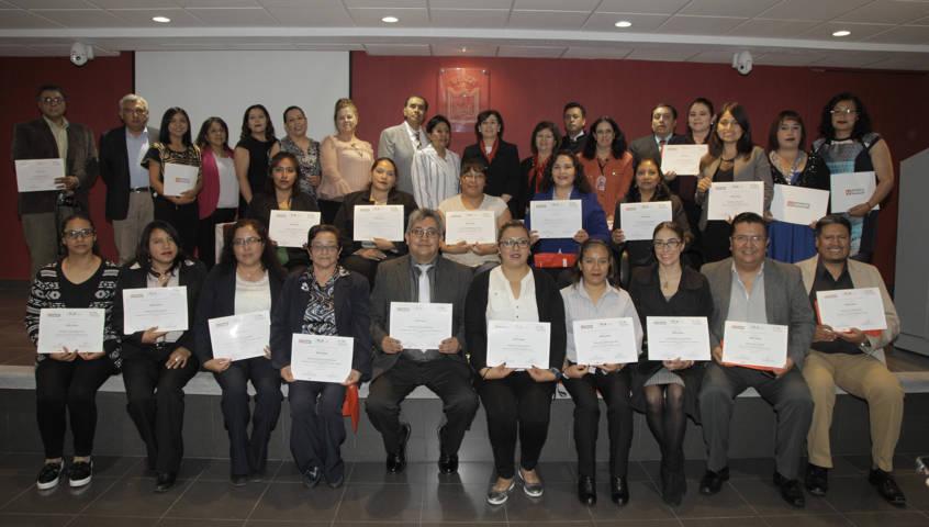 Concluyeron docentes tlaxcaltecas diplomados para desarrollo profesional docente