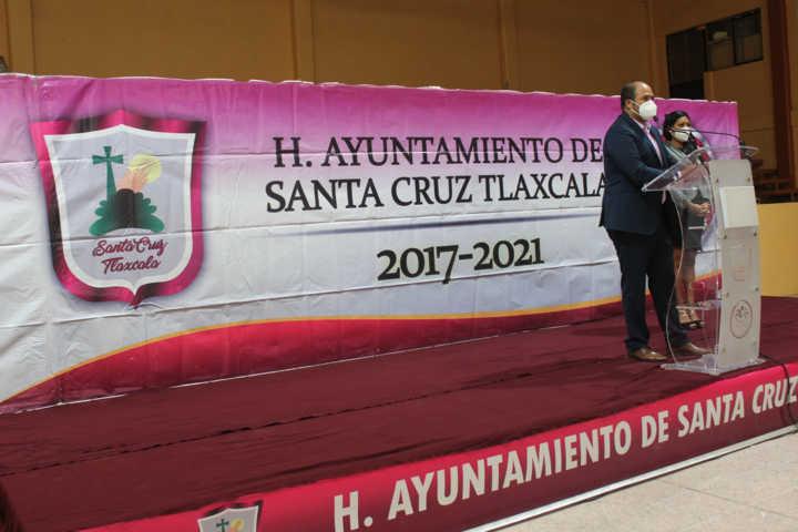 Entregan cerca de dos mil paquetes de útiles escolares en Santa Cruz Tlaxcala