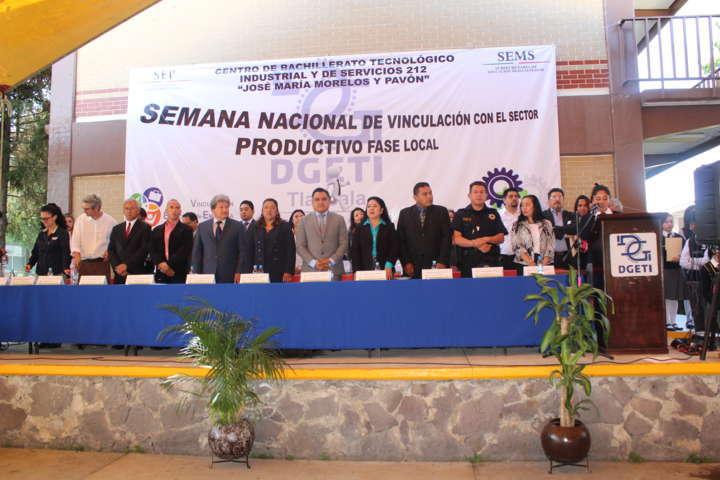Tetla firma acta de reestructuración del Comité Local de Vinculacion Escolar en CBTIS 212