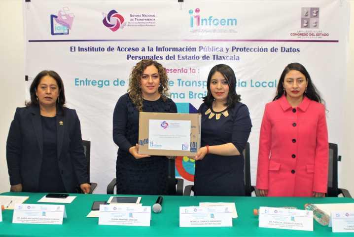 Reciben diputadas ley de transparencia traducida al sistema braille