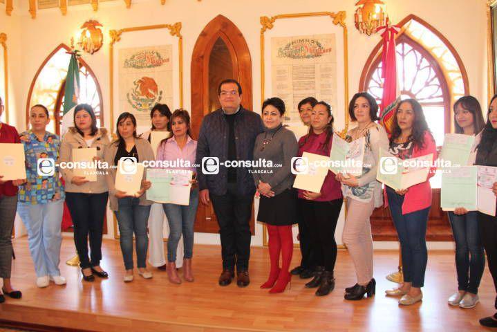 Alcalde apoyó a 12 estancias infantiles con 5 mil pesos y su licencia de funcionamiento