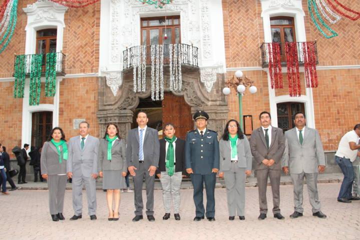 Pérez Juárez encabezó Arrío del Lábaro Patrio en la capital del estado