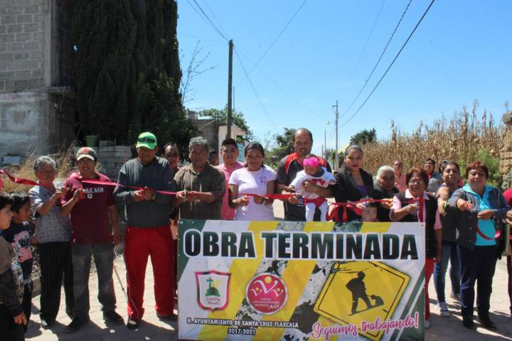 Entregó Sanabria Chávez obras en San Lucas Tlacochcalco