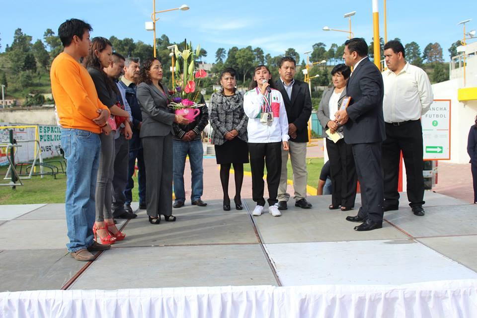 Reconocen en Tepetitla como orgullo del municipio a atleta paralímpico