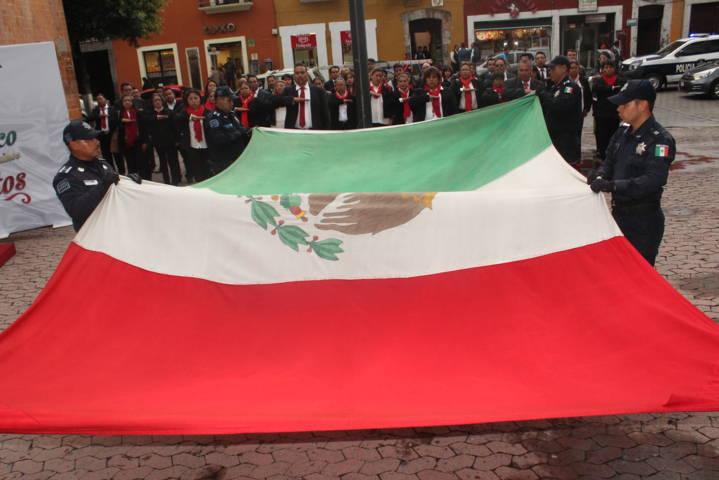 El mes patrio refleja todo aquello que nos hace sentir mexicanos: alcalde