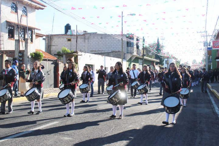 Alcalde Sanabria encabezó desfile conmemorativo al 16 de septiembre