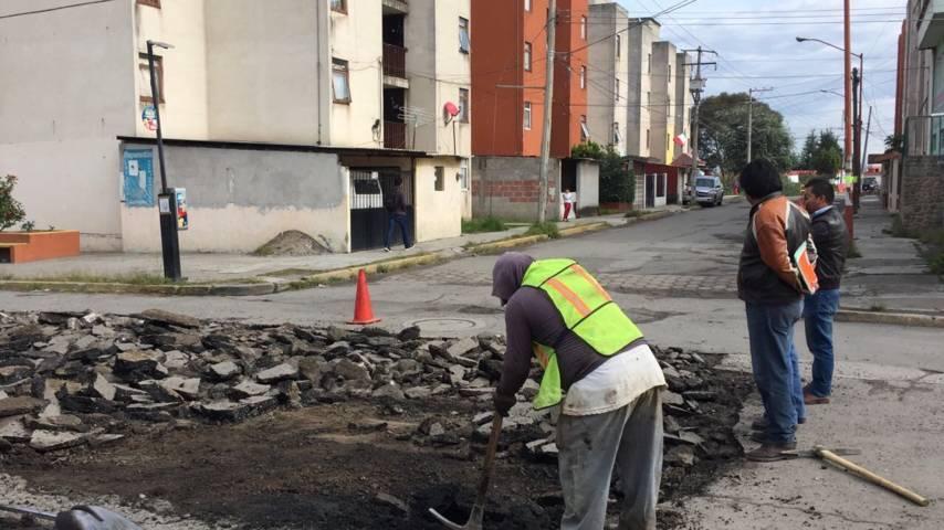 Ayuntamiento de Chiautempan continúa con labores de bacheo