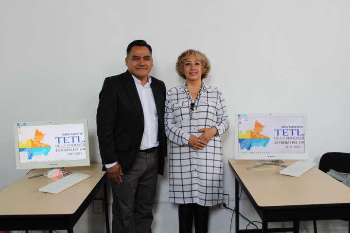 Inaugura Eleazar Molina Pérez centro de computo ICATLAX en Tetla de la Solidaridad