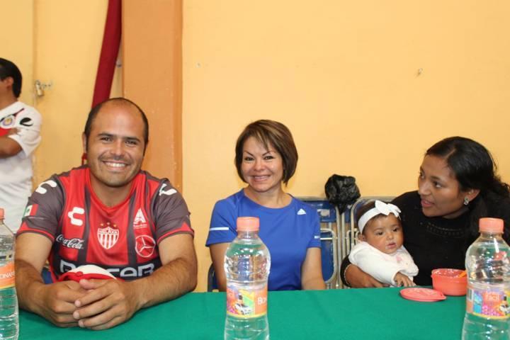 222 se coronó campeón de la liga de voleibol femenil en Santa Cruz Tlaxcala.
