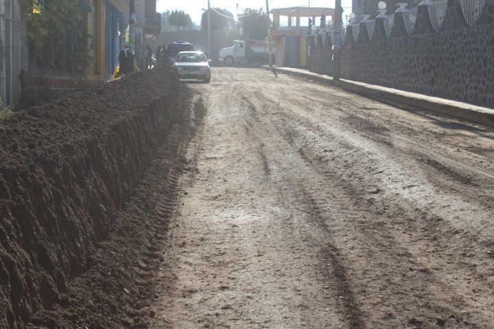 Ayuntamiento y SECODUVI realizan obra a favor de la gente de Santa Cruz Tlaxcala