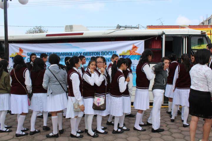 Llega la unidad móvil de la Cecutlax -Ipn a Tetla de la Solidaridad