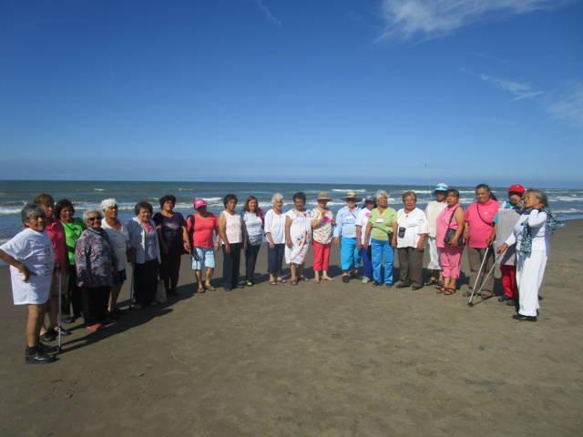 Realiza SMDIF de Tetla, Viaje Recreativo para Adultos Mayores