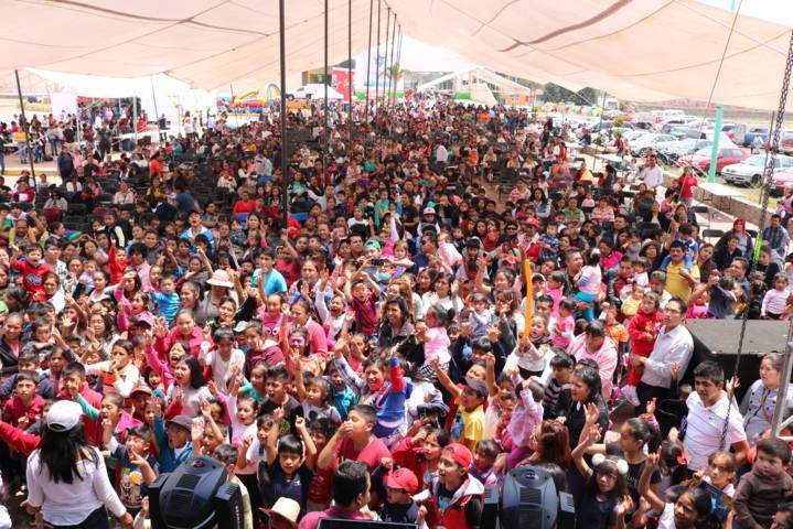 Festejo a lo grande por el Día del Niño en Chiautempan