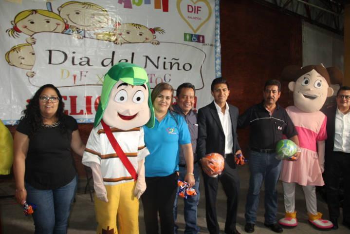 Con un magno evento el SMDIF Xaloztoc festejo el Día del Niño