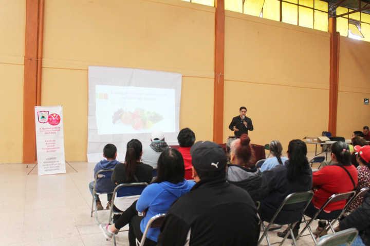Se realiza curso dirigido al sector agroindustrial en Santa Cruz Tlaxcala
