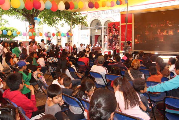 Con mucha diversión agasajaron a los niños y niñas de Tlaltelulco en su día