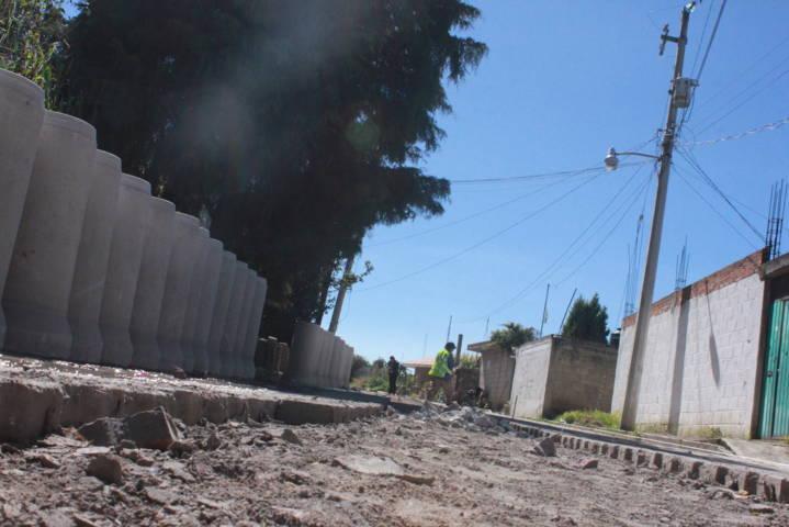 Familias de la calle Moremos contaran con drenaje sanitario: alcalde