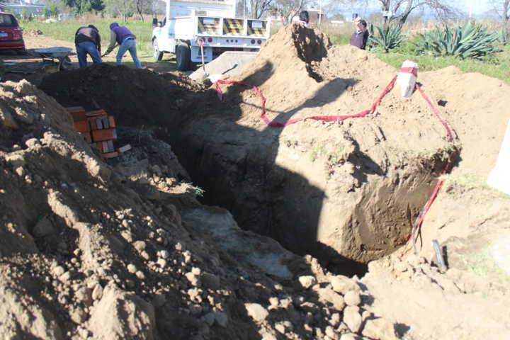 Dan banderazo para ampliación del drenaje sanitario en San Lucas Tlacochcalco