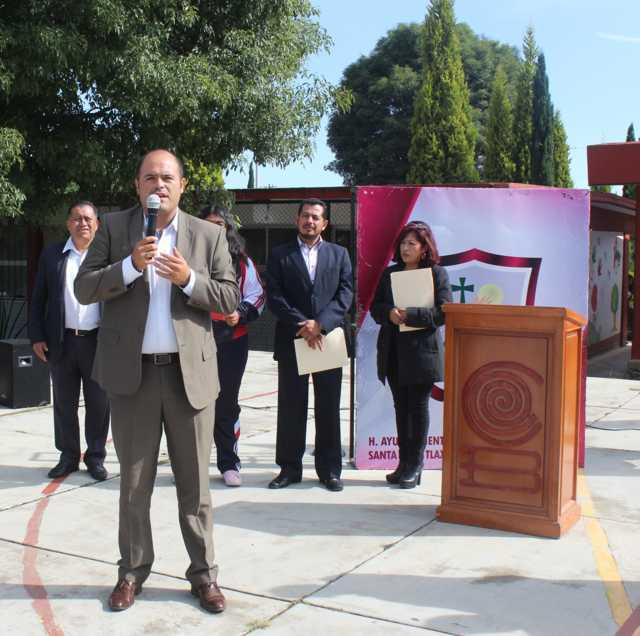 Dan banderazo de inicio de obra para tecumbre en Cobat 12 en Santa Cruz Tlaxcala