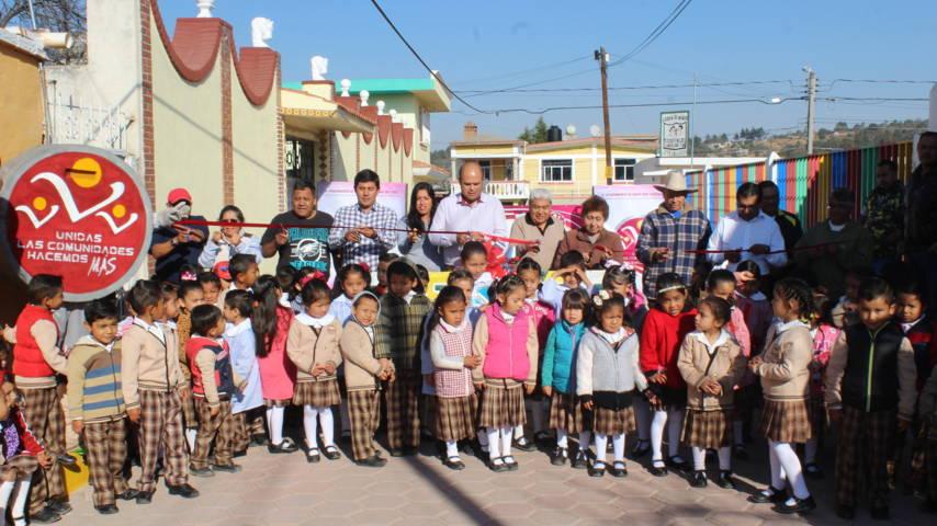 Alcalde continúa entregando obras en beneficio de la población