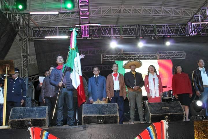Alcalde Villarreal Chairez encabezo ceremonia del Grito de Independencia